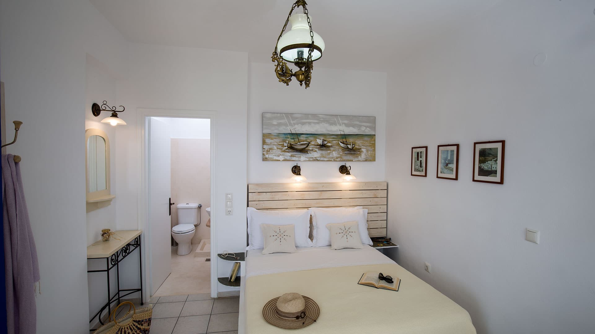 Traditional Room_FloraGeronti_AnoPetali_Sifnos_Cyclades